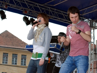 Alexandra Ungureanu & Crash in concert